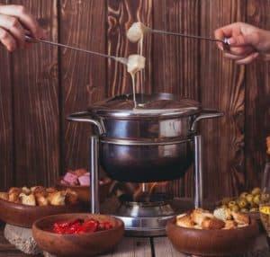 degustation fondue et ustensile pour préparation